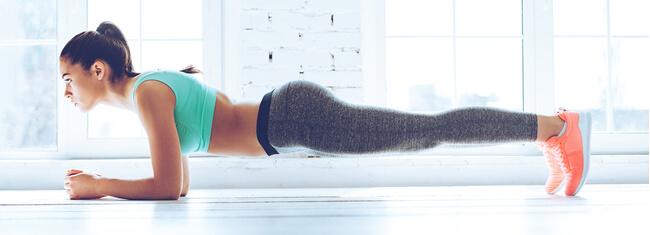 Fortalecer o core ajuda a prevenir dores nas costas