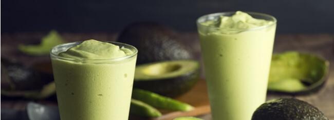 Benefícios e receitas com abacate para o pré e pós-treino