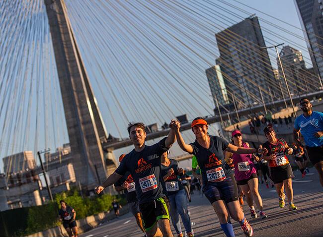 correr a Run the Bridge