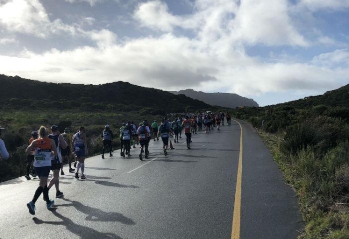 Corredores na maratona Two Oceans