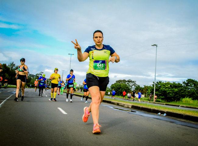 Carol na Maratona de Porto Alegre em 2019